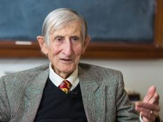 'Eggs' for alien Earths? At 94, physicist Freeman Dyson's brain is still going strong