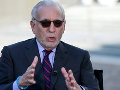 Investors Like G.E.'s Plan to Shrink. Nelson Peltz, Especially.