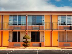 Hotels Grapple With Racial Bias