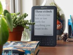 This hack turns your old Kindle into a clock