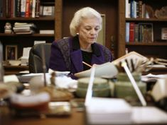 Former Supreme Court Justice Sandra Day O'Connor announces dementia diagnosis