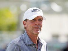 Golf: Stricker should let players sort out hard feelings: Azinger