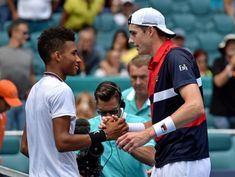 Isner fights back to beat teen Auger-Aliassime in Miami semis