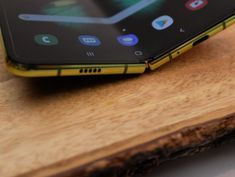 Daily Crunch: Hands-on with the Samsung Galaxy Fold