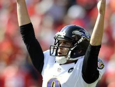 Ravens sign kicker Tucker to record extension