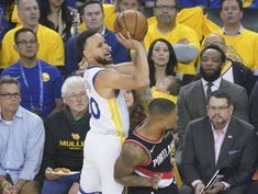 Warriors bury Blazers with treys, win opener