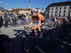 Cycling: Dumoulin to start fifth stage despite knee injury