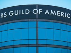 In a deadlock, WGA and large talent agencies turn to a mediator