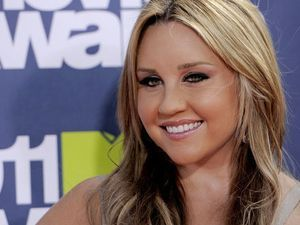 Newly engaged Amanda Bynes is one year sober — and sorry she called people 'ugly' in 2013