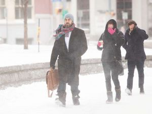 Blizzard, 'monster' lake effect snow band pummel New York state