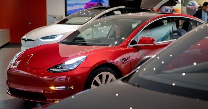Tesla Model 3 Goes Upscale, and Base-Price Buyers Must Wait
