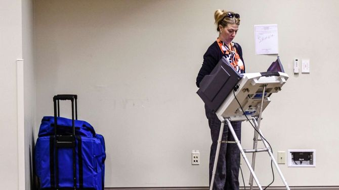 Busy primary night concludes with big names and a big upset