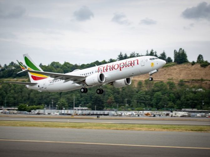 FAA tells airlines Boeing 737 MAX jets are airworthy but says changes are coming