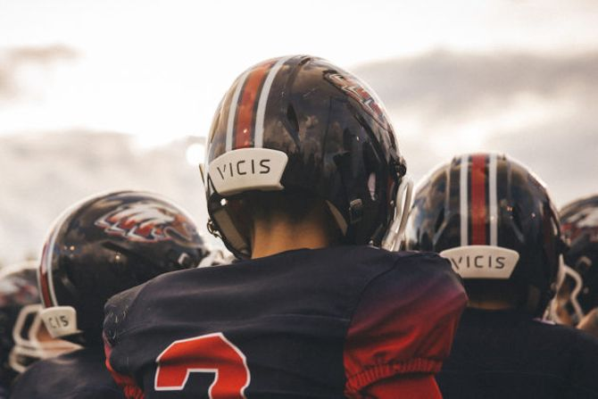 High school football programs lean on crowdfunding to afford Vicis' high-tech helmet