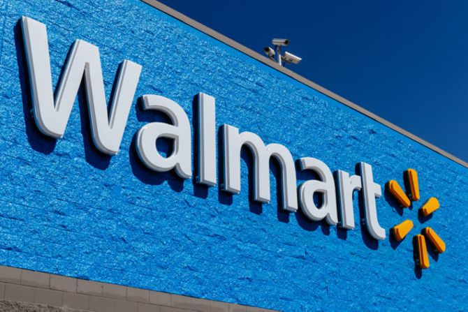 Challenging Amazon, Walmart unveils one-day delivery on more than 200k items