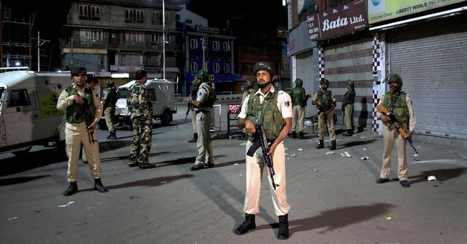 India Moves to Revoke Kashmir's Special Status Amid Crackdown